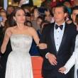 Angelina Jolie-Brad Pitt, un milione per un bimbo cambogiano 2