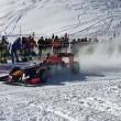 YOUTUBE Max Verstappen guida la Red Bull su neve con catene4