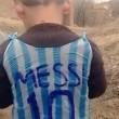 Messi realizza il sogno di Murtaza: maglietta per il bimbo afghano 01