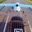 YOUTUBE Drone telecomandato atterra sul tetto di un auto 2
