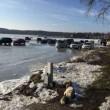 Auto su lago ghiacciato si alza temperatura2