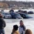 Auto su lago ghiacciato si alza temperatura3