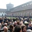 Funerale Umberto Eco, folla al Castello Sforzesco 16