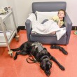 Labrador e bimbo autistico inseparabili anche in ospedale 5