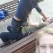 VIDEO Si ferma per un selfie, riprende rissa tra ubriachi3