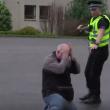 YOUTUBE Polizia Usa impara da quella scozzese a non uccidere 5