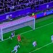 Juventus - Bayern, concesso un gol irregolare ai tedeschi: sul tiro di Muller, Lewandowski, in fuorigioco, copriva la visuale di Buffon