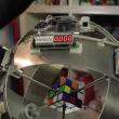YOUTUBE Cubo di Rubik, robot lo risolve in meno di 1 secondo