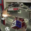 YOUTUBE Cubo di Rubik, robot lo risolve in meno di 1 secondo 2
