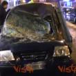 YOUTUBE Maltempo a Napoli, albero si spezza: travolte 2 auto 2