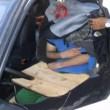 Spagna, migrante nascosto nel paraurti di un'auto
