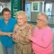 YOUTUBE Conosce la madre per la prima volta 82 anni dopo5