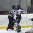 YOUTUBE Hockey, giocatore picchia e sputa arbitro: arrestato6