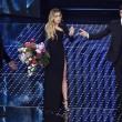Sanremo, Roberto Bolle balla Queen e passo a 2 con Virginia01