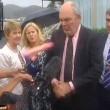 YOUTUBE Lancia dildo in faccia al ministro: video è virale 02