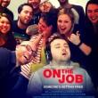 Dorme a lavoro: colleghi fanno FOTO e...pa 6rte sfottò