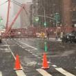 New York, crolla gru a Manhattan: almeno un morto, feriti 04