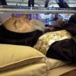 """Padre Pio """"siliconato"""": salma è maschera creata a Londra..."""