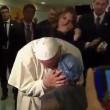 YOUTUBE Papa Francesco, ragazza malata cancro canta per lui 2