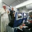 """Unioni civili, Bergoglio """"Papa non si immischia in politica"""""""