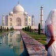 Gira il mondo come in Mangia Prega Ama...vestita da sposa02