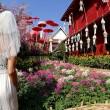 Gira il mondo come in Mangia Prega Ama...vestita da sposa07