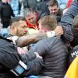 Rugby: giocatori tifosi, rissa sugli spalti2