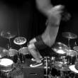 YOUTUBE Aric Improta, assolo di batteria con salto mortale3