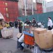 Barbona ha troppa spazzatura polizia di New York butta tutto02