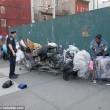 Barbona ha troppa spazzatura polizia di New York butta tutto03