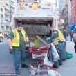 Barbona ha troppa spazzatura polizia di New York butta tutto06