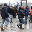 FOTO Migrante accoltellato da un altro migrante a Calais05
