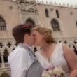 Nozze gay a Venezia: sì in gondola per Amy e Nicole FOTO 2