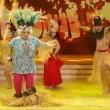 Platinette perde gonnellino a Ballando con le Stelle VIDEO10