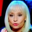The Voice, Raffaella Carrà gaffe: saluta in arabo ma...VIDEO