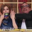 Selvaggia Lucarelli e il parrucchino di Sandro Mayer...VIDEO