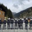 Brennero, scontri. Militante bolognese fermato12