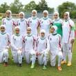 Calciatrici col velo debuttano: in campo Iran-Usa10