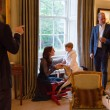 Kate Middleton, principino George saluta Obama