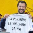 """Salvini sotto casa Fornero: """"Chieda scusa per legge7"""