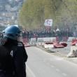 Napoli, corteo anti-Renzi contro polizia: sassi, lacrimogeni11