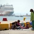 Pacchetti viaggio dalla Grecia a 10mila€ per migranti ricchi04