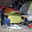 Pacchetti viaggio dalla Grecia a 10mila€ per migranti ricchi08