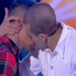 Amici, il bacio tra Gabriele Esposito e un ballerino