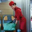 Alitalia, nuove divise il verde lascia il posto al rosso4