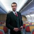 Alitalia, nuove divise il verde lascia il posto al rosso3