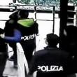 Bologna, gioco tre carte all'Autogrill 13 arresti2