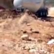 Camion cisterna inghiottito da voragine