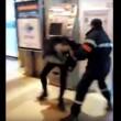 Francia, agente sicurezza picchia barbone inerme 5