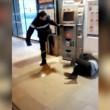 Francia, agente sicurezza picchia barbone inerme 3